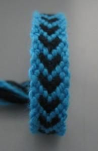 DIY Tutorial: DIY Friendship Bracelet / DIY Hearts Friendship Bracelets Easy Tutorial - Bead&Cord