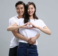 "Choi Siwon and Liu Wen Get Intimate for Chinese ""We Got Married"" Poster Shoot"