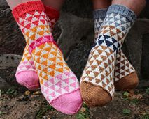 Ravelry: Herr och Fru Ulltuss pattern by Anna Bergman Knitting Socks, Hand Knitting, Knitted Hats, Knit Socks, Outlander, Lace Boot Socks, Rainbow Dog, Foot Warmers, Knitting Accessories