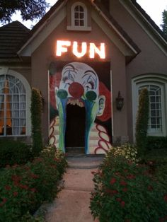"""Clown entrance..........It would be sooo scary if you could make the """"F"""" flicker back and forth to an """"R."""""""