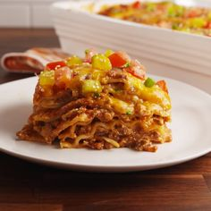 This outrageous lasagna tastes exactly like a cheeseburger. And you're going to love us for it. Ground Beef Dishes, Ground Beef Recipes Easy, Cheeseburger Lasagna Recipe, Homemade Lasagna Recipes, Pasta Recipes, Delish, Dinner Recipes, Easy Meals, Food And Drink