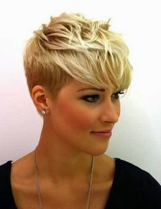 Blonde Pixie Haircut Ideas with Long Bangs Messy Pixie Haircut, Short Blonde Pixie, Pixie Cut With Bangs, Blonde Pixie Cuts, Short Pixie Haircuts, Haircut Long, Undercut Pixie, Edgy Pixie Cuts, Long Pixie