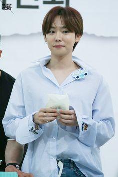 I thought this was a girl, then i realized it's Jinwoo Jinwoo Winner, Winner Ikon, Kang Seung Yoon, Song Mino, Mobb, Kim Jin, My Prince, Winwin, Boyfriend