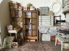 Already 4 months into the Year and only one post! I will have to try harder to get some posts on. I have been trying to arrange things f. Miniature Rooms, Miniature Houses, Miniature Furniture, Dollhouse Furniture, Mini Houses, Dollhouse Dolls, Dollhouse Miniatures, Vintage Dollhouse, Minis