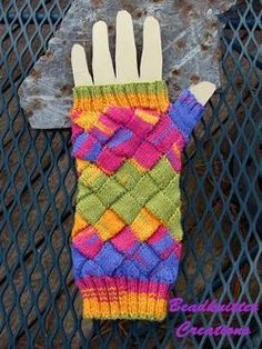 Entralac rainbow mitts 1 or 2.25 mm, Circular Knitting Needles Yarn Weight: (1) Super Fine