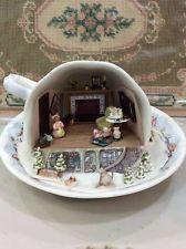"ARTISAN DOLLHOUSE MINIATURE TEA CUP MOUSE HOUSE SCENE WONDERFUL 1/4"" SCALE"