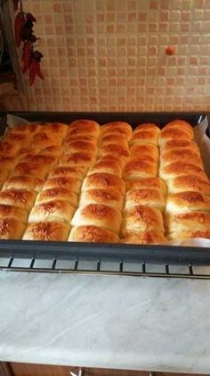 Vajdasági sós | Darázsdi Éva receptje - Cookpad receptek Plum Dumplings, Garlic Bread, Winter Food, Hot Dog Buns, Scones, Ham, Bakery, Dessert Recipes, Cookies