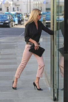 Kate Moss Photo - Kate Moss at the HIX Restaurant in London