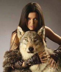 woman and wolf Wolf Love, She Wolf, Wolf Girl, Wolf Spirit, Spirit Animal, Earth Spirit, Beautiful Creatures, Animals Beautiful, Der Steppenwolf