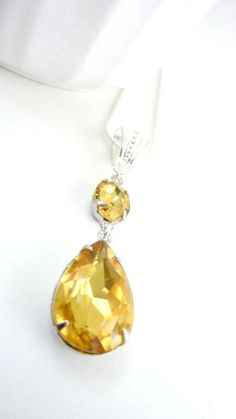 Topaz Necklace November Birthstone Topaz Yellow by Dewdropsdreams, $32.00 https://www.etsy.com/listing/150571509/topaz-necklace-november-birthstone-topaz