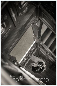 Grand Staircase | Loose Mansion | Kansas City Weddings | Tracy Routh Photography
