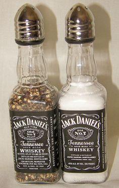 2 sets of Jack Daniel's Whiskey Salt & Pepper Shakers 50 ml Empty Liquor Bottle (alcohol bottle gift) Alcohol Bottle Crafts, Wine Bottle Crafts, Bottle Art, Alcohol Bottle Decorations, Mini Alcohol Bottles, Empty Liquor Bottles, Bottles And Jars, Glass Bottles, Beer Bottles