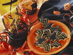Fledermaus-Kekse zu Halloween - Zeit: 45 Min. | eatsmarter.de