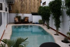 Portrayal of Small Swimming Pool Design for Your Lovely House