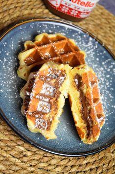 Gaufres au nutella - recette de gaufres liégeoises fourrées Apple Pie, Waffles, Pancakes, Biscuits, French Toast, Breakfast, Recipes, Food, Grand Chef