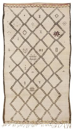 #45391 - Vintage Moroccan Rug, Morocco, Mid 20th Century - This traditional…