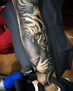 1001 ultra cool tiger tattoo ideas for inspiration - Tattoos Neu Full Arm Sleeve Tattoo, Tiger Tattoo Sleeve, Best Sleeve Tattoos, Tattoo Sleeve Designs, Lion Tattoo, Forarm Tattoos, Leg Tattoos, Body Art Tattoos, Tattoo Drawings
