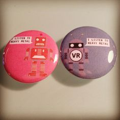 These one inch Robot pins are a perfect match! #roboticsbuttons #roboticscompetition