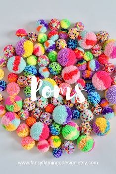 Art Activities For Kids, Fun Crafts For Kids, Creative Crafts, Arts And Crafts, Vase Crafts, Diy Crafts, Rainbow Party Decorations, Pom Pom Wreath, Pom Pom Crafts