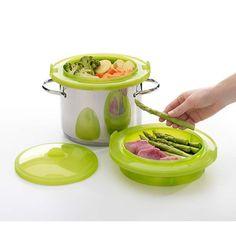 10. Sposób na zdrowy obiad. Wkładamy do pojemnika ulubione warzywa lub mięso. Umieszczamy zestaw do gotowania na garnku. Czas przygotowywania 15-20 minut. Więcej znajdziesz na mykitchen.pl #kuchnia #homedecor #gotowanienaparze