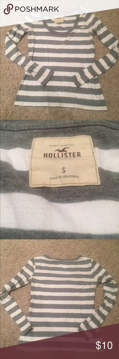 Stripped Hollister Scoop Neck Shirt Grey and white | stripped | Size S | Hollister | Long sleeve shirt | Condition LIKE NEW✨ Hollister Tops Tees - Long Sleeve