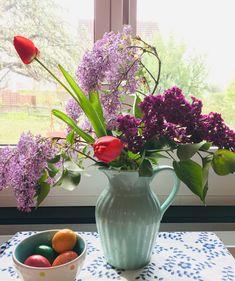 Glass Vase, Home Decor, Home And Garden, Decoration Home, Room Decor, Home Interior Design, Home Decoration, Interior Design