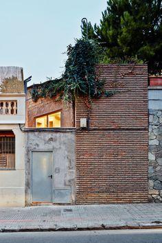 Albert Guerra, Magda Barceló, José Hevia · Sant Llorenç House. Sant Feliu de Llobregat, Spain · Divisare