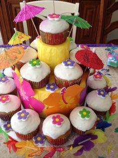 Torre de cupcakes Tema Haway Creación de Silvia's Cake