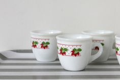 Hey, I found this really awesome Etsy listing at https://www.etsy.com/listing/210125707/vintage-italian-espresso-cups-cerve