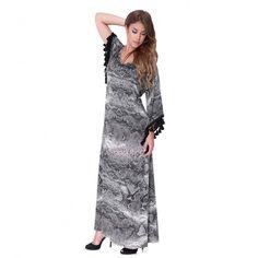 Φόρεμα μακρύ από μαλακό εμπριμέ S. Jersey σε άλφα γραμμή. Έχει ανοικτή λαιμοκοψη…