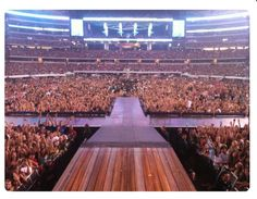 Taylor swift's concert in Dallas, Texas awesome pic of the crowd Concert Stage Design, Concert Crowd, Nightclub Design, Taylor Swift Concert, Music Studio Room, Dream Music, Mode Kpop, Future Career, Video Photography