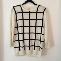 J. Crew Black and White Crewneck Sweater szM ✨ Black stripes in the front only, plain white in the back, gently worn (2-3 times), very warm and comfy ✨ J. Crew Sweaters Crew & Scoop Necks
