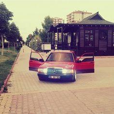 @huseyin_efe_kokay #mercedes #benz #classic #classicmercedes #old #nostalji #mercedestürkiye #germancar #car #stance #stanceworks #stancenation #red #classicbenz #classicmercedesbenz #engine #like #w108 #w114 #w115 #w116 #w123 #w124 #w126 #w201 #w210 #w107