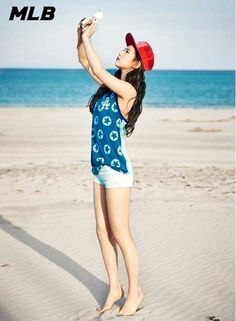 Suzy is the cutest beach girl for 'MLB' Miss A Kpop, Korean Beauty, Asian Beauty, Miss A Suzy, Ailee, Bae Suzy, Beautiful Asian Girls, Pretty Girls, All About Fashion