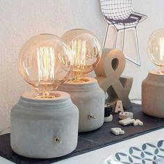 Turtle Leaf - Simple Cement Table Lamp