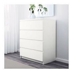 IKEA - MALM, Commode 4 tiroirs, plaqué chêne blanchi, , La maison doit être un lieu sûr pour chaque membre de la famille. C'est pourquoi une fixation de sécurité est incluse afin de fixer la commode au mur.Le placage en bois véritable assure un vieillissement en beauté de cette commode.Les tiroirs, qui sont faciles à ouvrir et à fermer, sont équipés d'arrêts.Pour organiser l'intérieur de vos rangements vous pouvez utiliser le lot de 6 boîtes SKUBB.