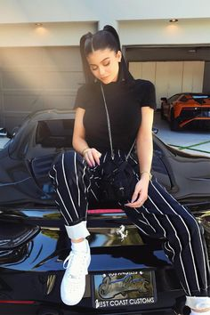 Kylie George, a 17 year old star student. Kylie is often unkind but she tries to be nice towards everyone Kendall Jenner Outfits, Kendall Et Kylie, Moda Kylie Jenner, Kylie Jenner Fotos, Trajes Kylie Jenner, Looks Kylie Jenner, Kylie Jenner Style, Kylie Jenner Instagram, Kylie Jenner Fashion