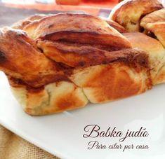 El babka judío es uno de los bollos típicos que se suelen comer para homenajear el Sabbat según establecen las leyes de la Torá. El S...