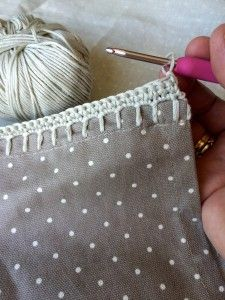 Crochet with Kate: pretty crochet edgings - adding the shell edge on the… Crochet Edging Tutorial, Crochet Blanket Edging, Crochet Edging Patterns, Crochet Hook Set, Crochet Borders, Blanket Stitch, Crochet Designs, Crochet Fabric, Crochet Quilt