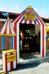Circus themed entrance