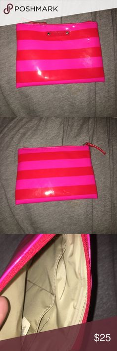 Small Kate Spade makeup bag Kate spade makeup bag, has some light wear and tear, two pockets on inside kate spade Bags Cosmetic Bags & Cases