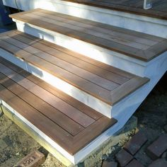 Cool Deck Steps White And Unstained Wood stairs Top 50 Best Deck Steps Ideas - Backyard Design Inspiration Patio Steps, Front Porch Steps, Outdoor Steps, Front Deck, Steps For Deck, How To Build Porch Steps, Back Steps, Outdoor Patios, Outdoor Rooms