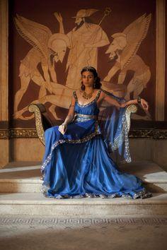 Aiysha Hart as Queen Ariadne in Atlantis' series Bbc Atlantis, Greek Dress, Fantasy Costumes, Fantasy Dress, Movie Costumes, Ancient Rome, Costume Design, Lady, Character Inspiration