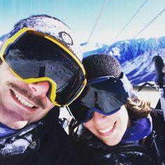 Heureux ! In love sur les pistes à @cauterets @ponkito64 #cauterets #inlove #ski #piste #smile #neige #snow #winter #smith #montagne #pyrenees #ride #amoureux #love #happy #behapy by la_clochette_pauline