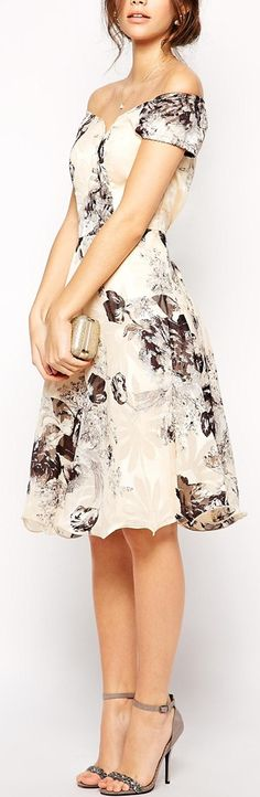 Floral midi with palest pink back color for the fabric. Off shoulder look adds a touch of sexy, whilst keeping it classy.  jannastyleblog.com