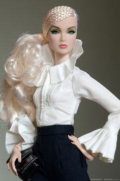 gretel by odd doll Barbie Gowns, Barbie Dress, Barbie Clothes, Barbie Fashion Royalty, Fashion Dolls, Fashion Outfits, Moda Fashion, High Fashion, Original Barbie Doll