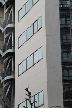 Building - Architecture moderne  #Japan #kyoto #japanese #sign #design #building #windows