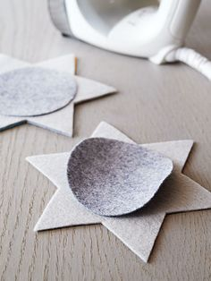 Cozy up your home with crafts made from felt. Don't miss our free felt patterns! Use felt colors that match your home's decor, or craft them in a friend's favorite hue -- these projects make fab gifts.