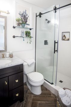 3 easy steps to remodelling your small bathroom | white cabinets