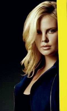 Charlize Theron, Divas, Blonde Actresses, Actors & Actresses, Gorgeous Women, Most Beautiful, Snowwhite And The Huntsman, Celebrities Exposed, Atomic Blonde